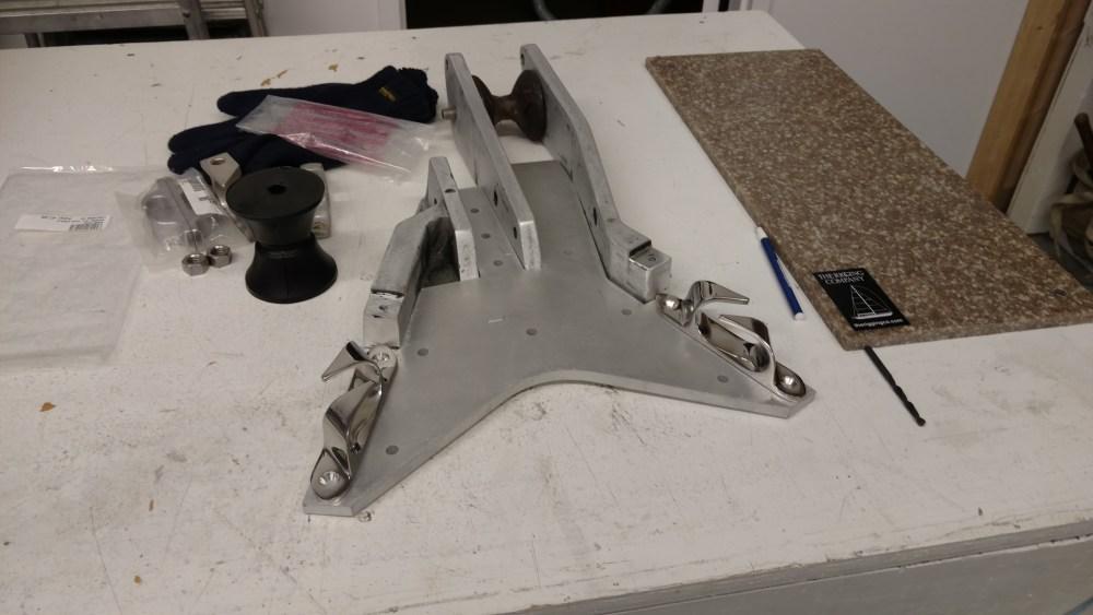 O'day 36 bow stem anchor roller