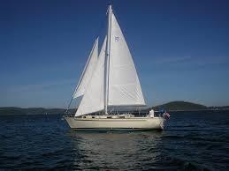 Cutter rigged sailboat