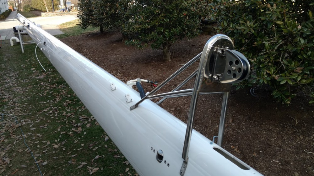 Moody 54 refinished and service mast spar