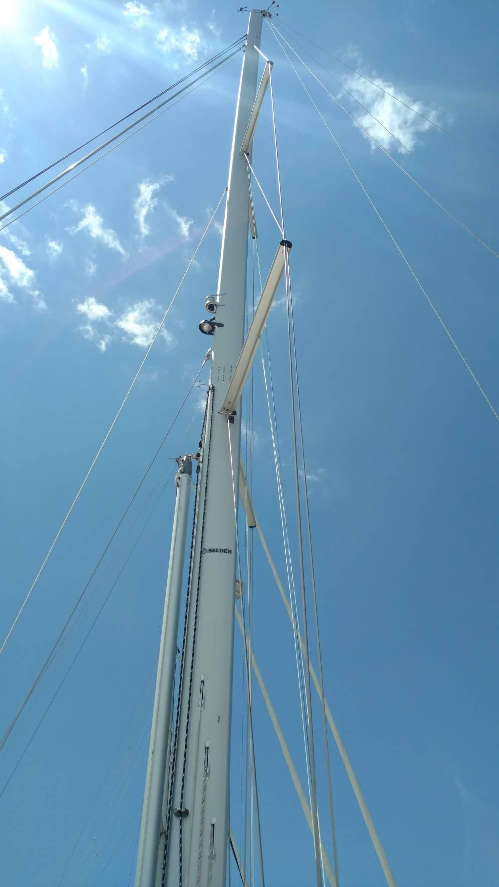New Selden Mast...TRC Style Dufour 43 Tall Mast