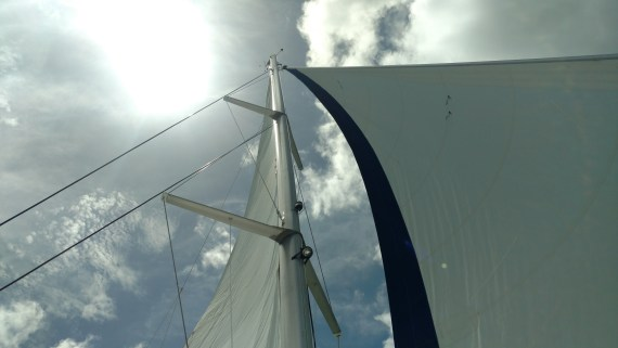 Sailing in Grand Cayman with new mast and rigging