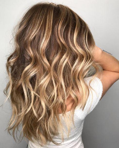 Karamel smeđi balajaž za svetlo smeđu kosu