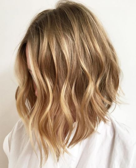 Honey Blonde Choppy Lob