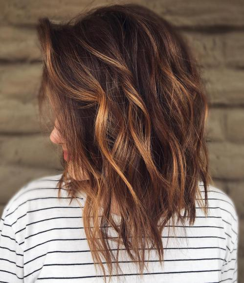Wavy Choppy Lob With Caramel Highlights