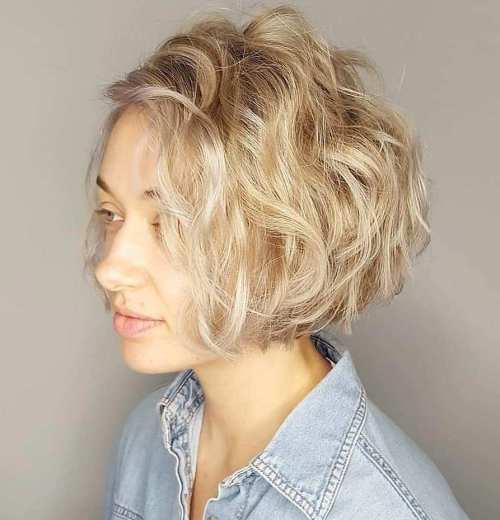 Jaw-Length Bob For Blonde Wavy Hair