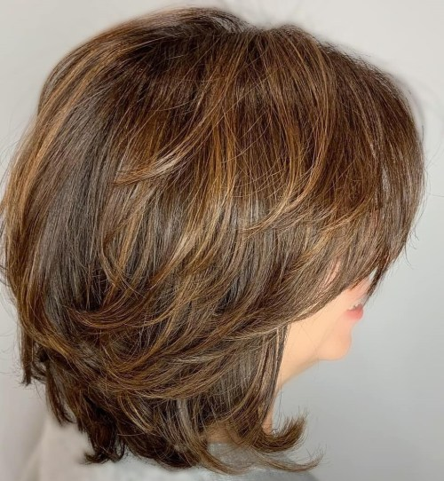 Medium Shaggy Bob With Subtle Highlights