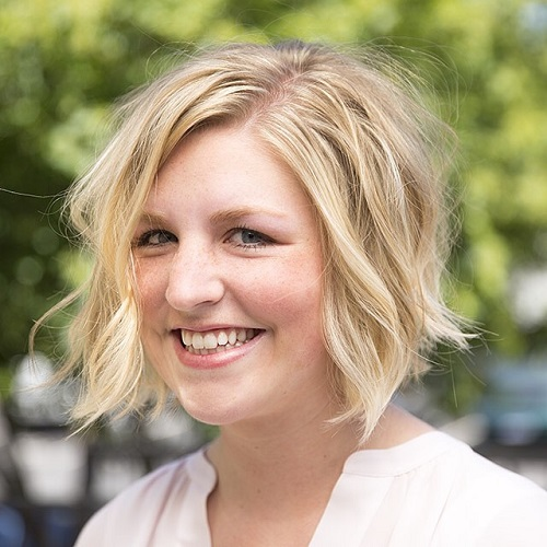 Delightful Messy Bob For Overweight Women