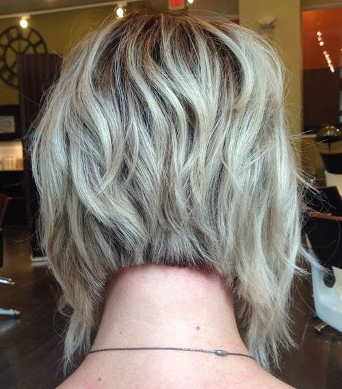 wavy layered inverted bob