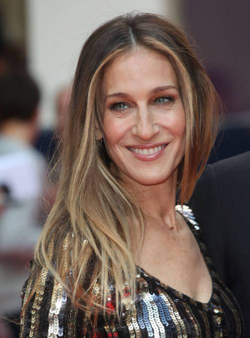 60 hairstyles featuring dark brown hair with highlights sarah jessica parker brown hair with blonde highlights pmusecretfo Gallery