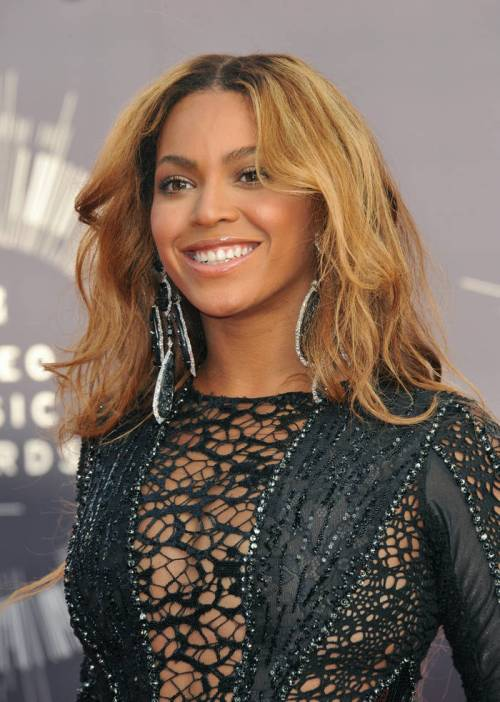 Beyonce long hairstyle