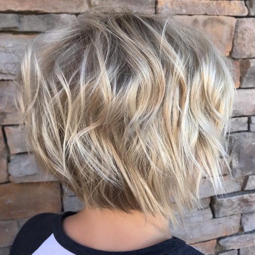 Short Layered Haircut With Shaggy Waves