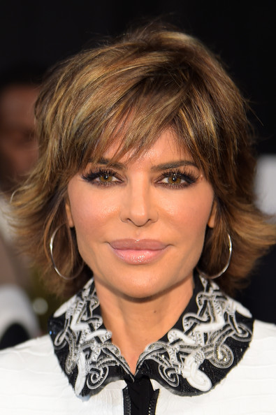 Lisa Rinna layered hairstyle with bangs