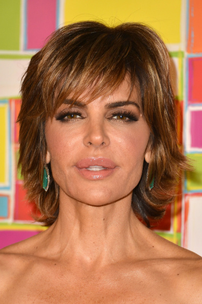 Lisa Rinna layered hairstyle with highlights
