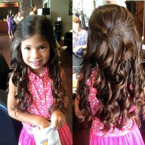 long wavy hairstyle for little girls