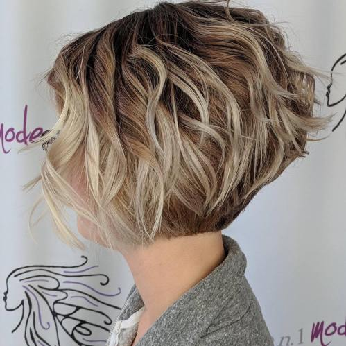 Nape-Length Wavy Bob Haircut With Layers
