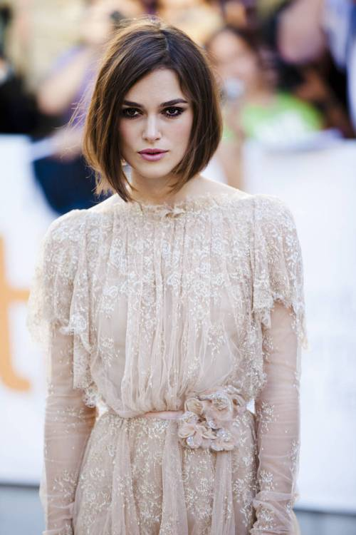 Keira Knightley angled bob for square faces