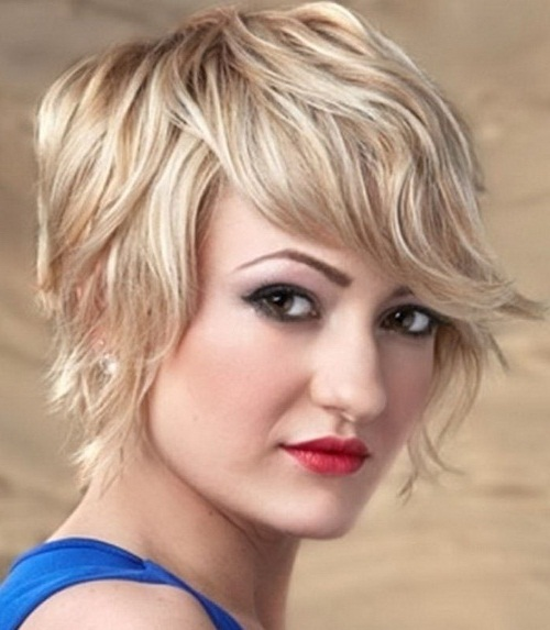 Short Wispy Hairstyle For Square Faces