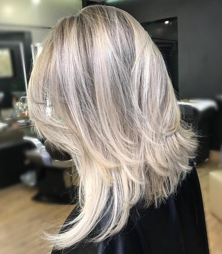 Amazing Medium Layered Blonde Hairstyle