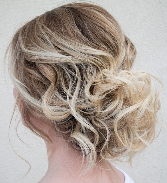 Easy hairstyle for thin curly hair