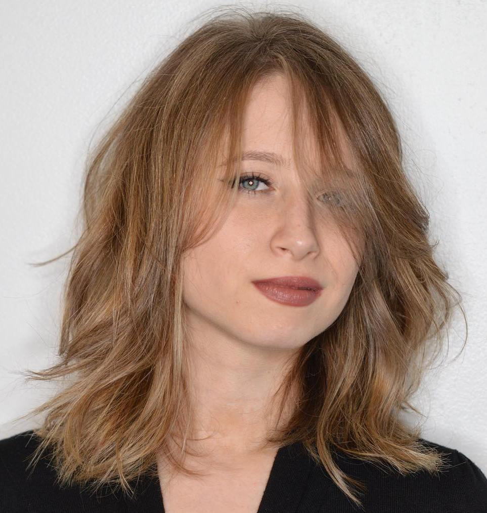 Beautiful Medium Shag Hairstyle For Thin Hair