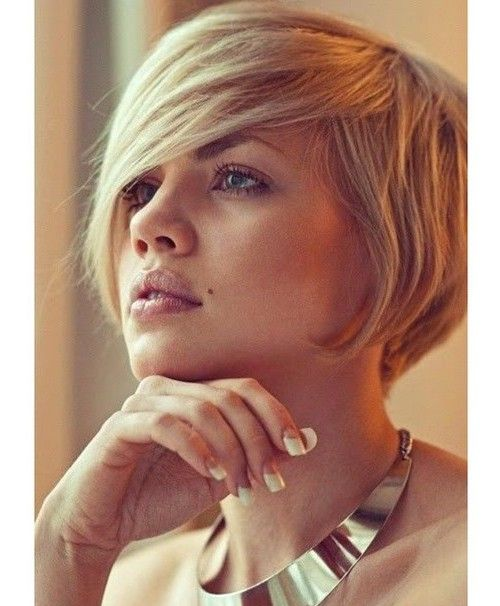 short bob hairstyle with long side bangs