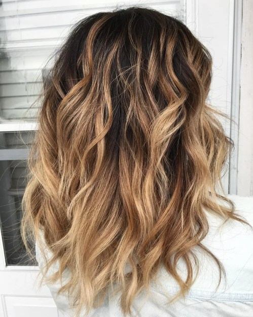 Medium Wavy Bronde Balayage Hairstyle