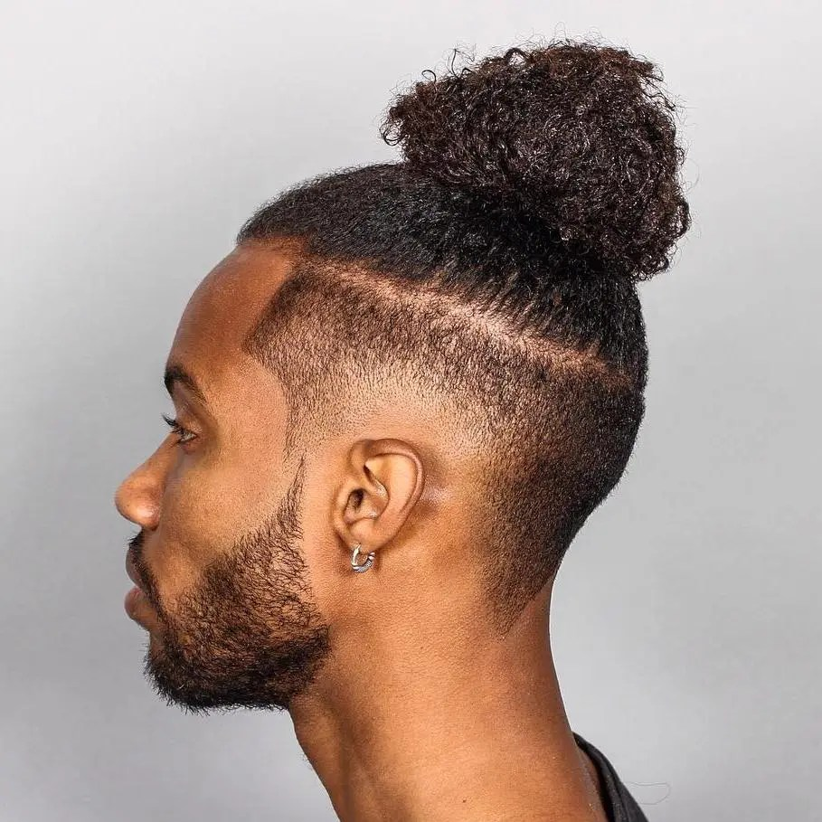 Men's Natural Top Knot With A Fade