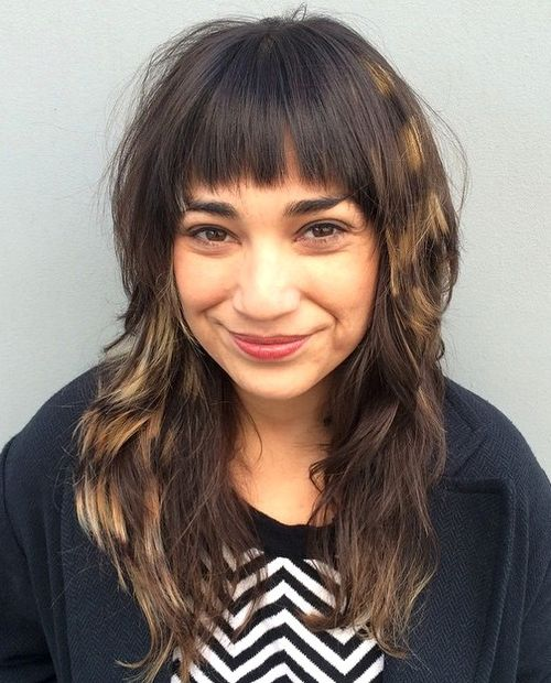long layered hairstyle with stripey highlights