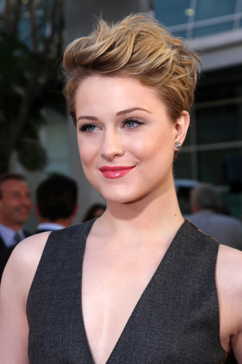 Cool 40 Cute Looks With Short Hairstyles For Round Faces Short Hairstyles Gunalazisus
