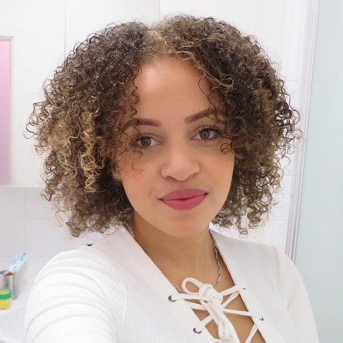 different curly hair styles 40 different versions of curly bob hairstyle 3754 | 13 centre parted natural bob
