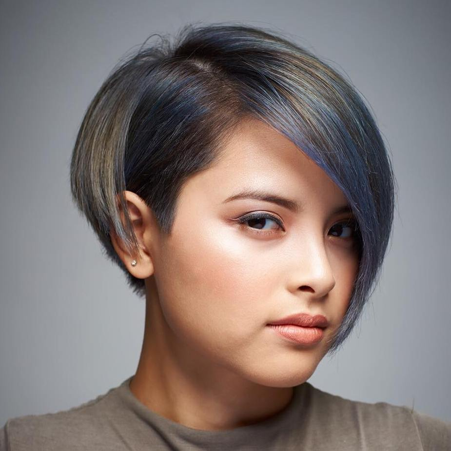 Pictures of short haircuts for round faces