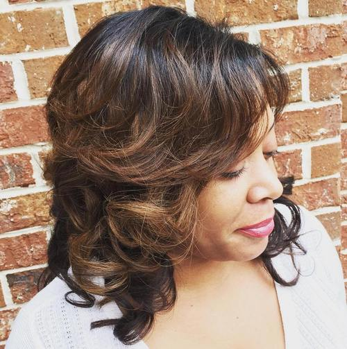 medium curly layered hairstyle for African American women