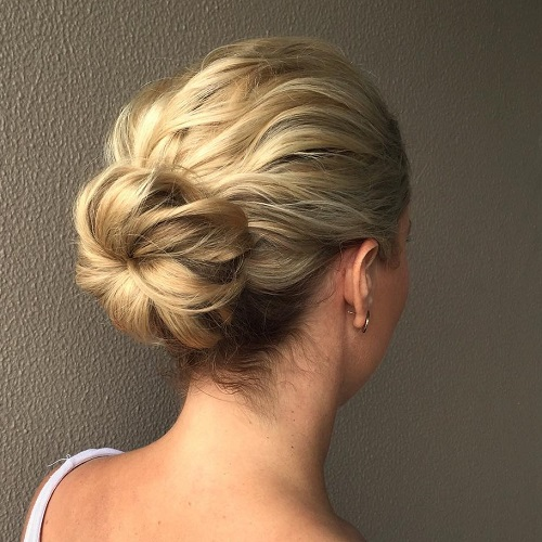60 easy updo hairstyles for medium length hair in 2018 bun for wavy hair solutioingenieria Image collections