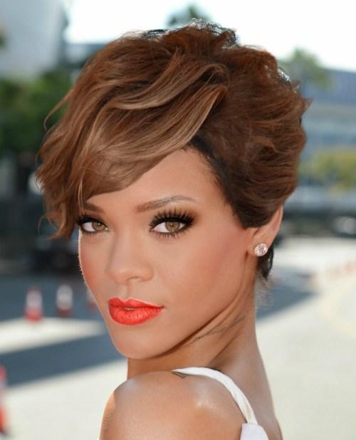short asymmetric wavy hairstyle Rihanna