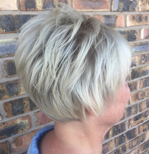 Short Feathered Hairstyle For Gray Hair