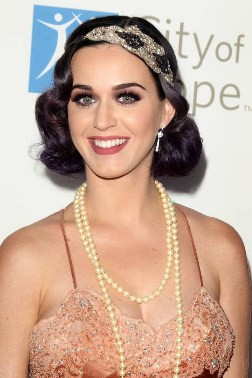 Katy Perry faux bob hairstyle for new years eve