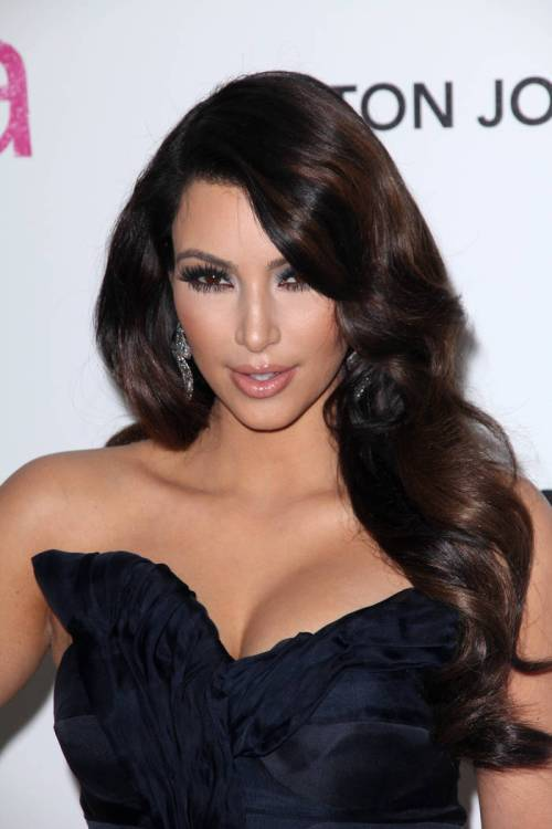 Kim Kardashian long hairstyle for New Years eve