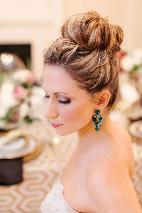 beach wedding bun hairstyle