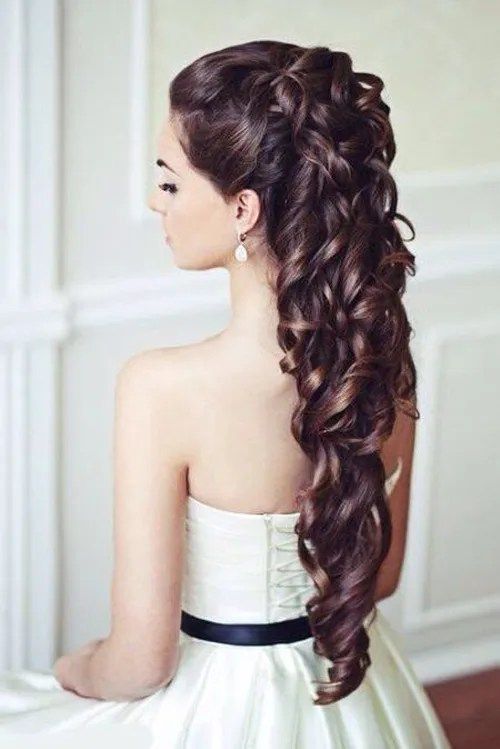 Astounding Wedding Curly Hairstyles 20 Best Ideas For Stylish Brides Hairstyles For Men Maxibearus