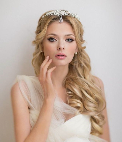 curly beach wedding hairstyle for long hair