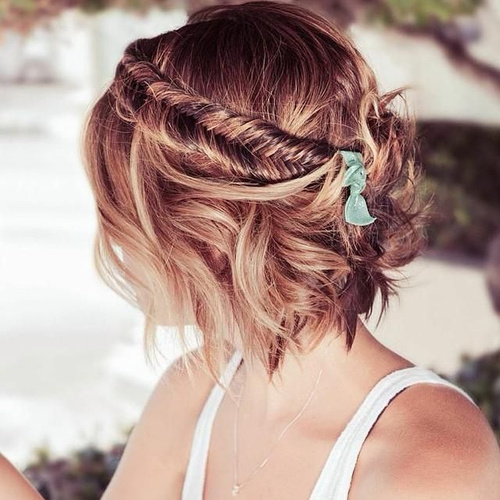 20 breezy beach wedding hairstyles beach wedding bob hairstyle junglespirit Images
