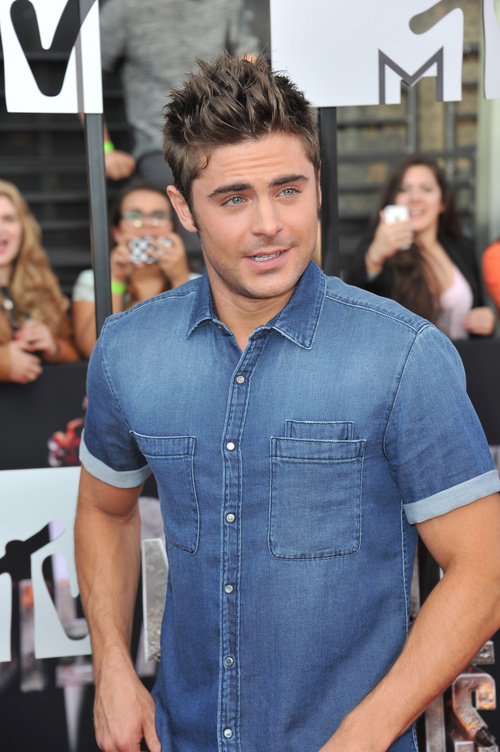 Zac Efron short spiky hairstyle