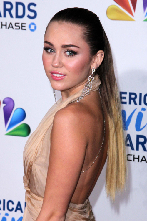 Miley Cyrus long ponytail with ombre