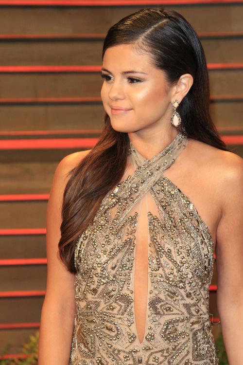 Surprising Selena Gomez Hairstyles 20 Best Hair Ideas For Thick Hair Short Hairstyles For Black Women Fulllsitofus