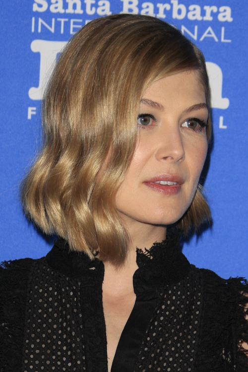 classic wavy bob hairstyle