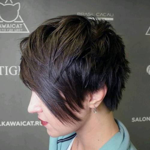 Pixie haircuts with bangs 50 terrific tapers outgrown choppy pixie with long bangs urmus Choice Image