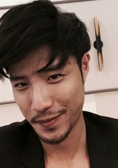 Asian men medium hairstyle
