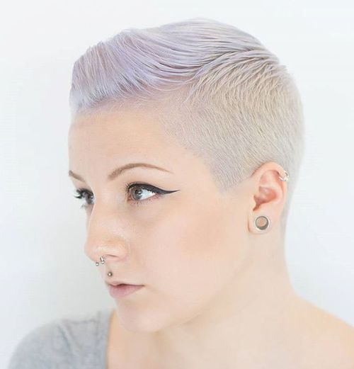 women's short ash blonde hairstyle