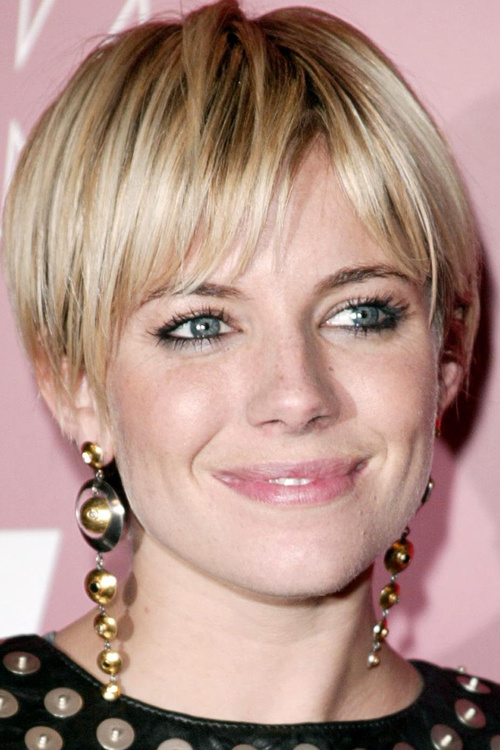 long pixie hairstyle for straight hair