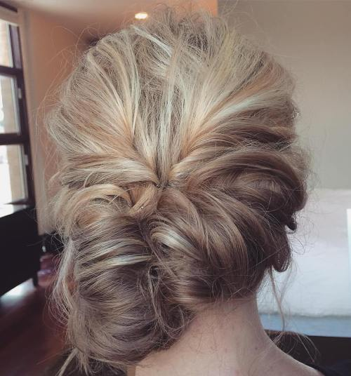 Messy Bun Guide 40 Newest Messy Buns For 2019
